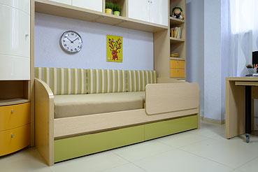 Подростковая кровать с бортиком