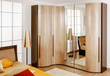 Модульная спальня с угловым шкафом