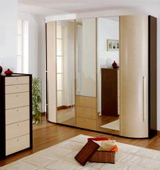 Шкаф с дверями гормошка