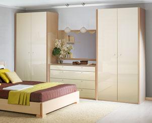 Шкаф для одежды кремовый глянец