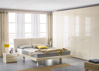 Спальня цвета слоновой кости