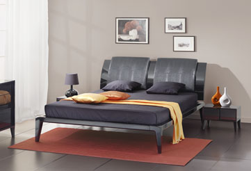 Чёрная кровать