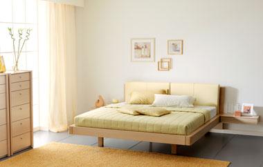 Спальня из белёного дуба